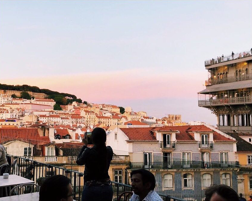 Topo Chiado. Un lugar sobre Lisboa para una comida a cualquier hora del día, para cócteles al sol o para tomar una copa después de la cena.