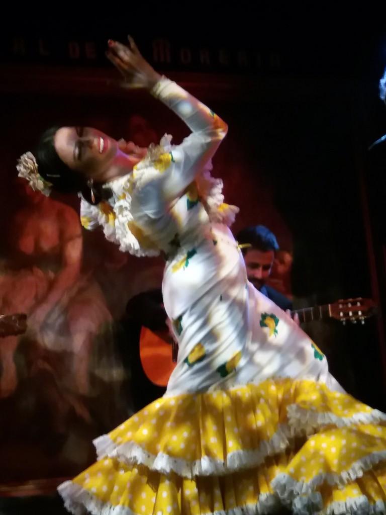 María Moreno, rotunda, grande y arrolladora en su baile.