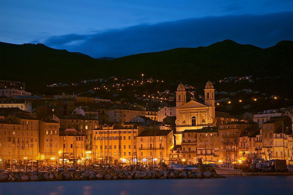 Bastia, la segunada ciudad de la isla. Foto: Jean-Michel Raggioli – Wikipedia.