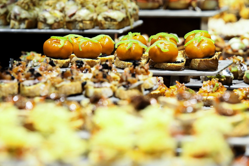 Los pintxos, el elemento más diferenciador de la gastronomía vasca y navarra.
