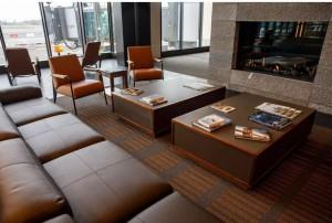 Las áreas de espera en la sala de embarque respiran un aire de lobby de hotel.