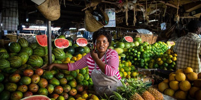 Una oportunidad para vivir de cerca la cultura local es visitar alguno de los numerosos mercados y pequeñas tiendas que hay a lo largo de la ciudad.