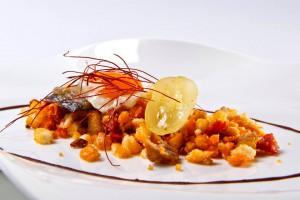 Migas con anguila y huevo frito de El Bohío. Foto: Facebook restaurante El Bohío.