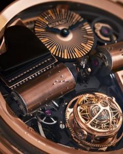 Detalle de uno de sus relojes esqueleto.