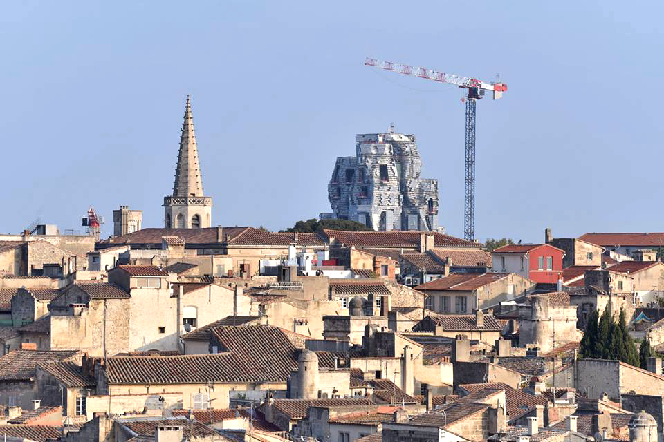 Arles Skyline con torre Gehry 1