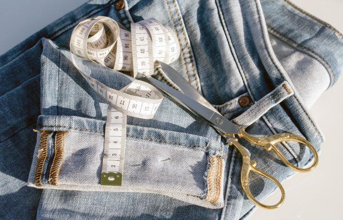 """El Espacio de Fuencarral-El Pardo arrancó el año con un ciclo a la costura. Entre otras cuestiones, se puso sobre la mesa el impacto del crecimiento en los últimos años de la denominada """"fast fashion""""."""