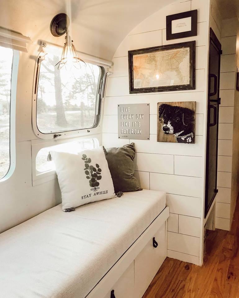 Interior caravana 2