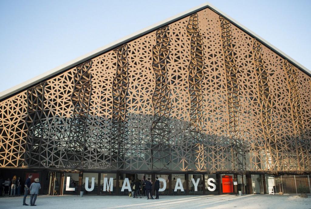 La nave principal acoge cada año el certamen LUMA DAYS que inaugura la temporada cultural de verano. Foto: Victor & Simon