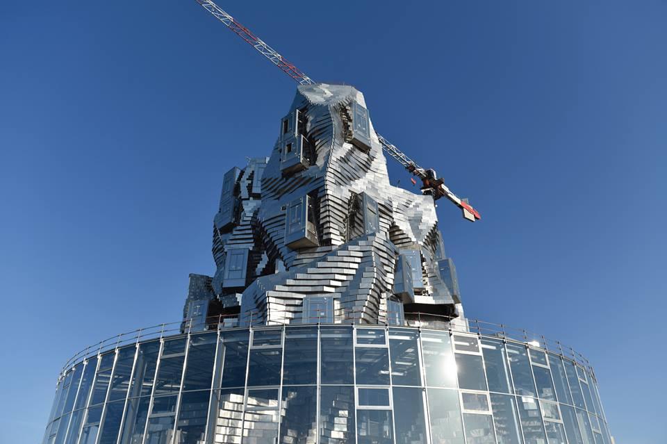 En la torre vivirán y trabajarán los propios artistas.