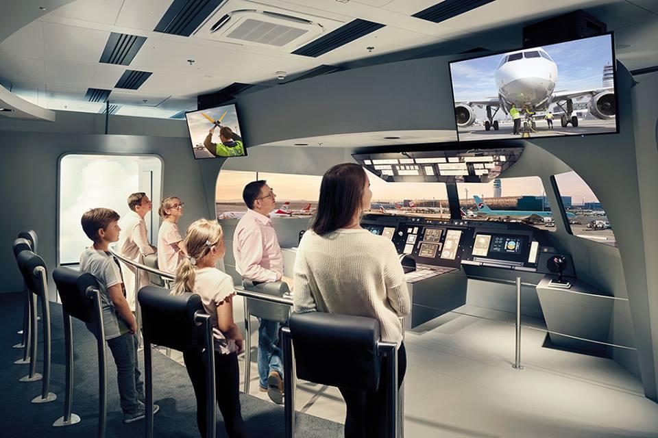 Una réplica de una cabina para experimentar un vuelo con despegue y aterrizaje en el aeropuerto de Viena. foto: Vienna Airport.