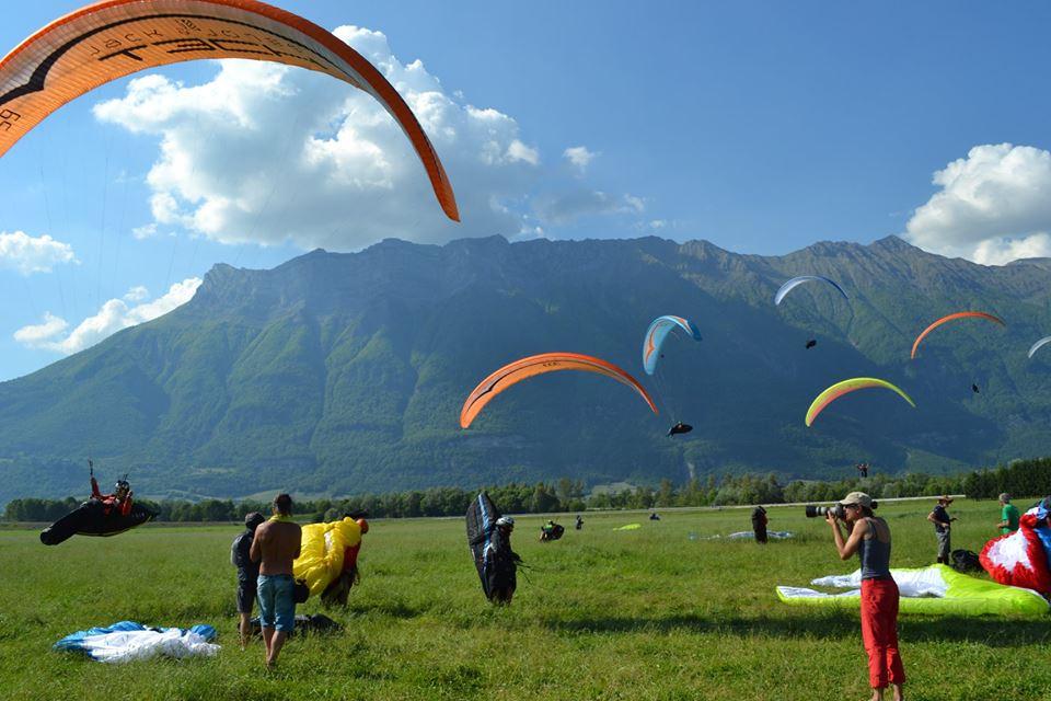 La localidad de Chamousset, en Coeur de Savoie , celebra la 3ª edición de la Copa del Mundo de Parapente.