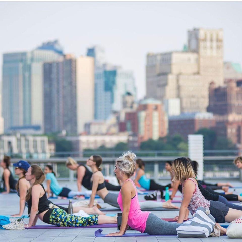 En junio y julio, fitness en la terraza.