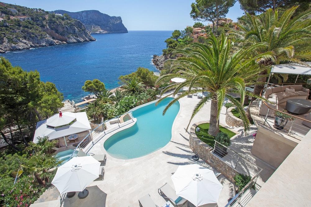 Villa Love en Mallorca posee más de mil metros cuadrados.