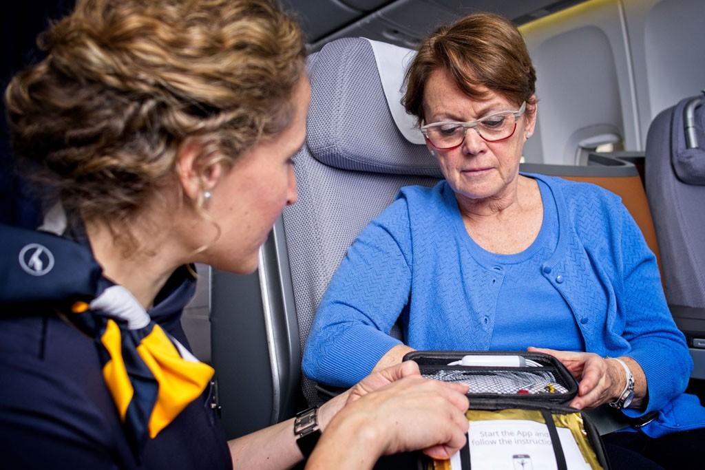 Los problemas cardiovasculares son la causa más frecuente de los incidentes médicos a bordo de los aviones .