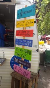 En el food truck de las empanadas argentinas de Graciana.