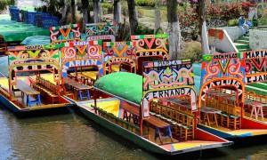 Las trajineras en los canales de Xochimilco.
