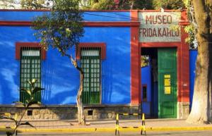 Museo de Frida Kahlo en el barrio de Coyoacán..