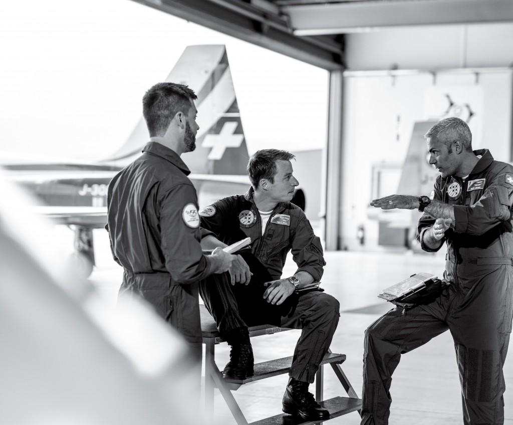 De izquierda a derecha: el capitán Lukas Nannini, el capitán Claudius Meier y el comandante Gunnar Jansen.