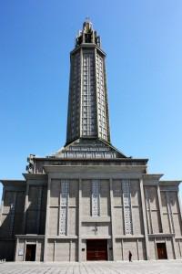 La iglesia de Saint Joseph encargada a Auguste Perret en 1945.