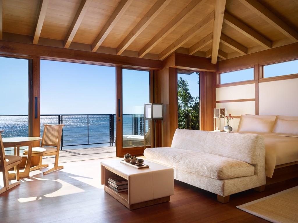 Nobu Ryokan permite a los huéspedes encontrar su zen entre las vistas al océano Pacífico y los baños purificantes en bañeras japonesas.
