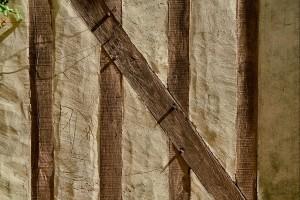 Detalle del entramado de madera y adobe.