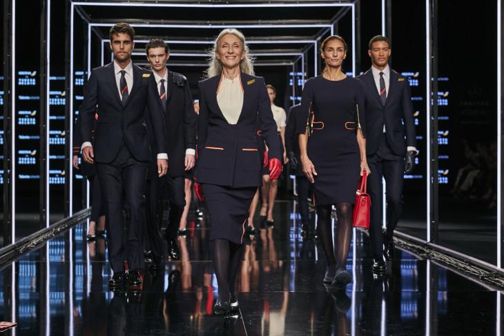 uniformes de Iberia diseñados por Teresa Helbig